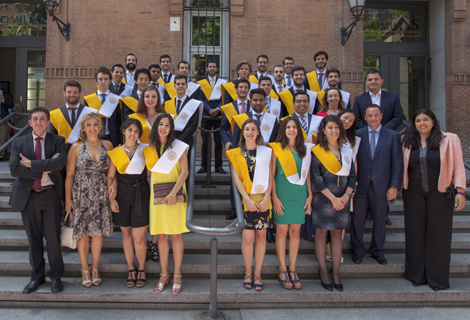 Graduaciones master international indutrial project management