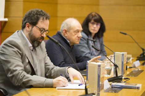 1. Mesa Jorge Álvarez. Miguel García Baró. Silvia Bara.baja