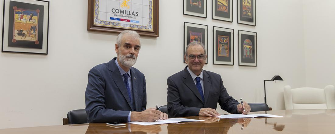Julio Martínez y el presidente de la Fundación Casa de la Familia